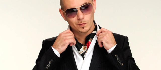 Pitbull no guarda rencor a su madre...